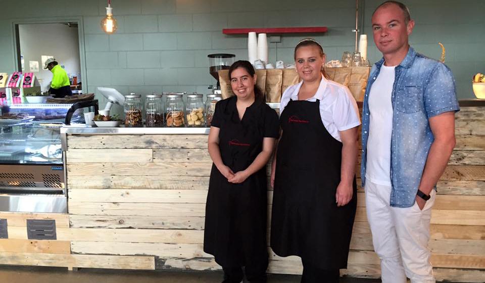 Fare Cravin' Café workers